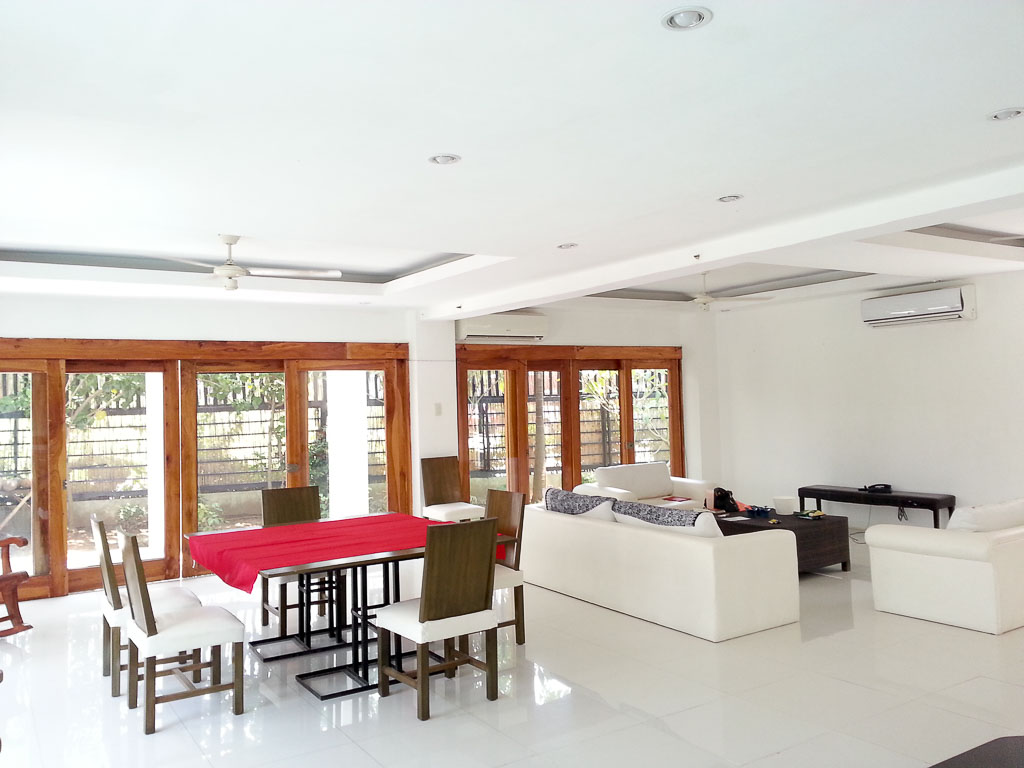 4 bedroom house with swimming pool for rent within cebu for Four bedroom house with pool