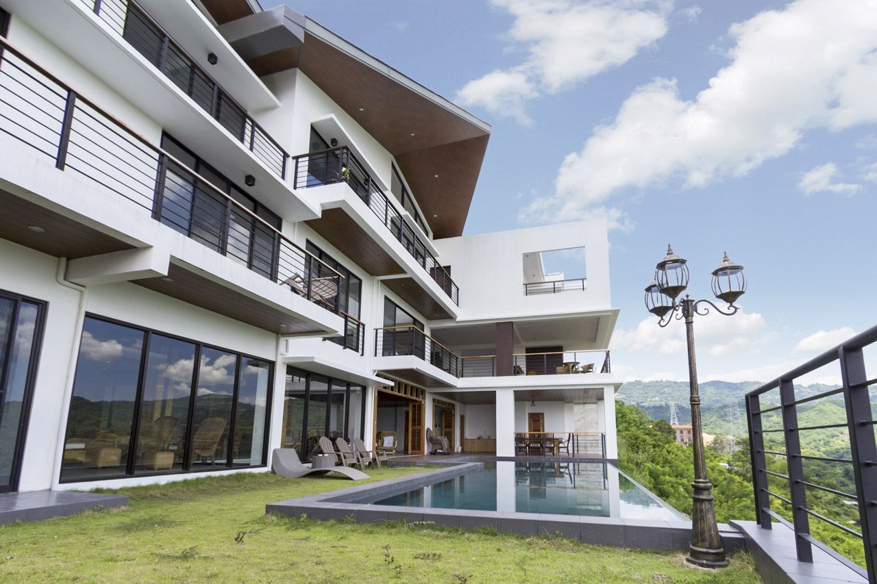 Extravagant 5 bedroom house for sale in maria luisa cebu for 5 bedroom house for sale