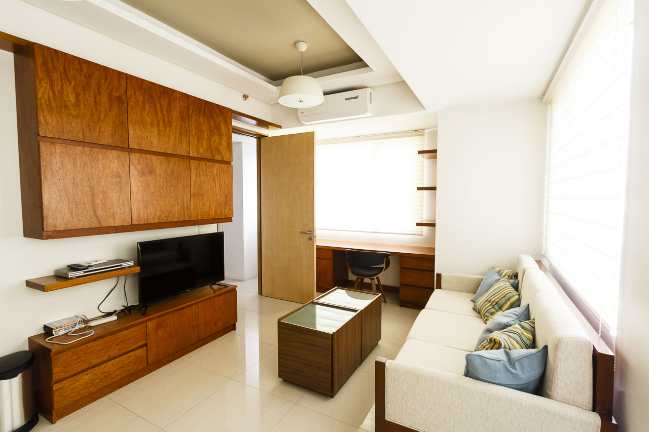 Condo for rent in cebu business park cebu grand realty for 1 bedroom condo for rent