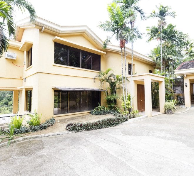 House for Rent in Maria Luisa Estate