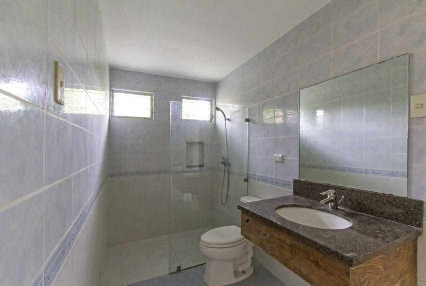 RH297 5 Bedroom House with Swimming Pool for Rent in North Town