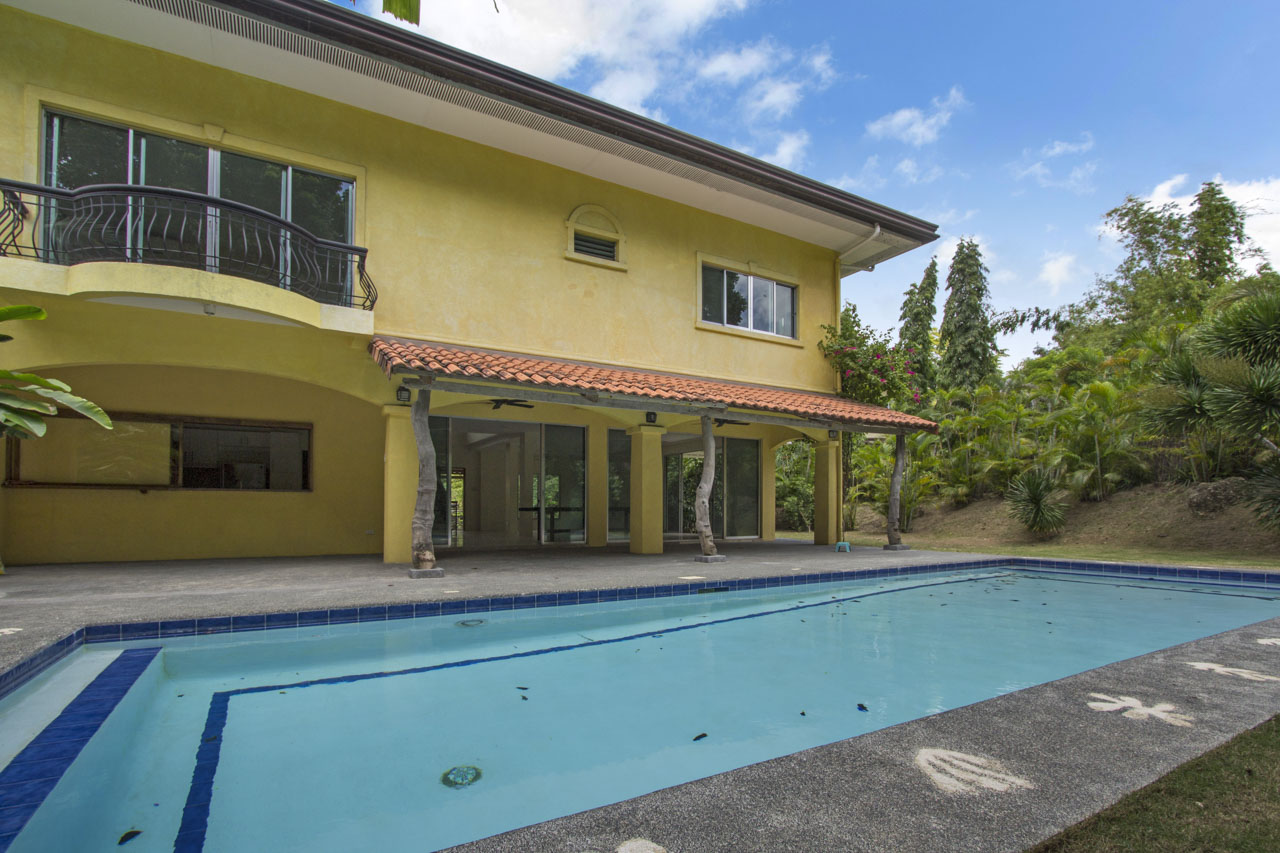 House with Swimming Pool for Rent in North Town - Cebu ...