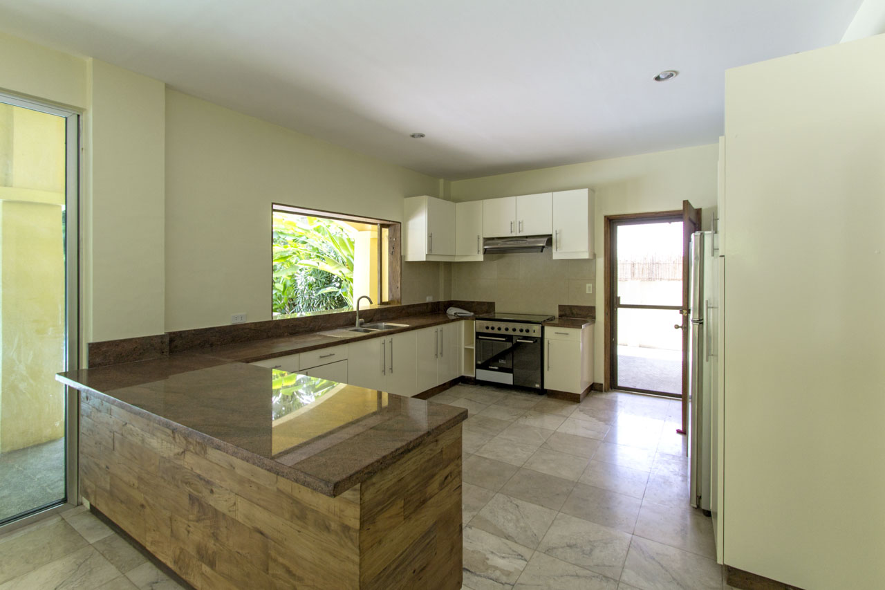 ... RH297 5 Bedroom House With Swimming Pool For Rent In North Town ...