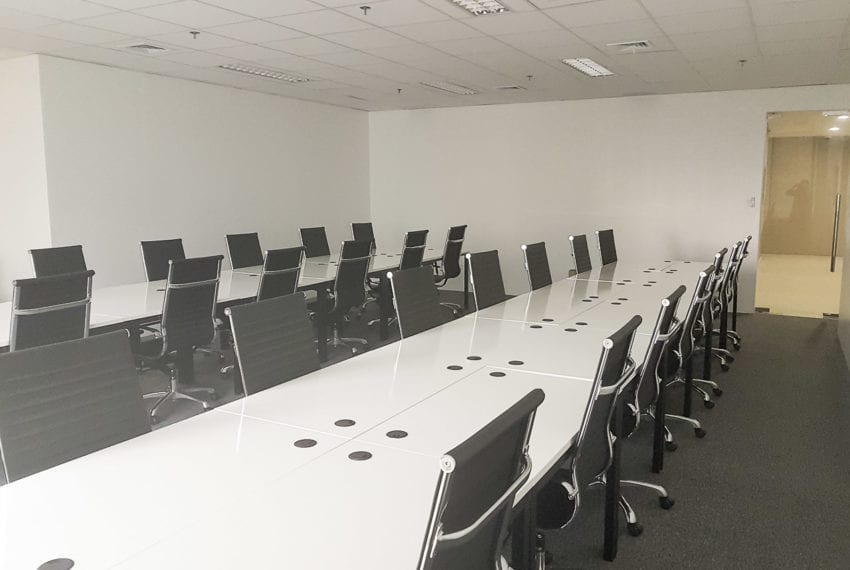 RCP146B 74 SqM Fully Fitted Office for Rent in Cebu IT Park Park Centrale Building Cebu Grand Realty (2)