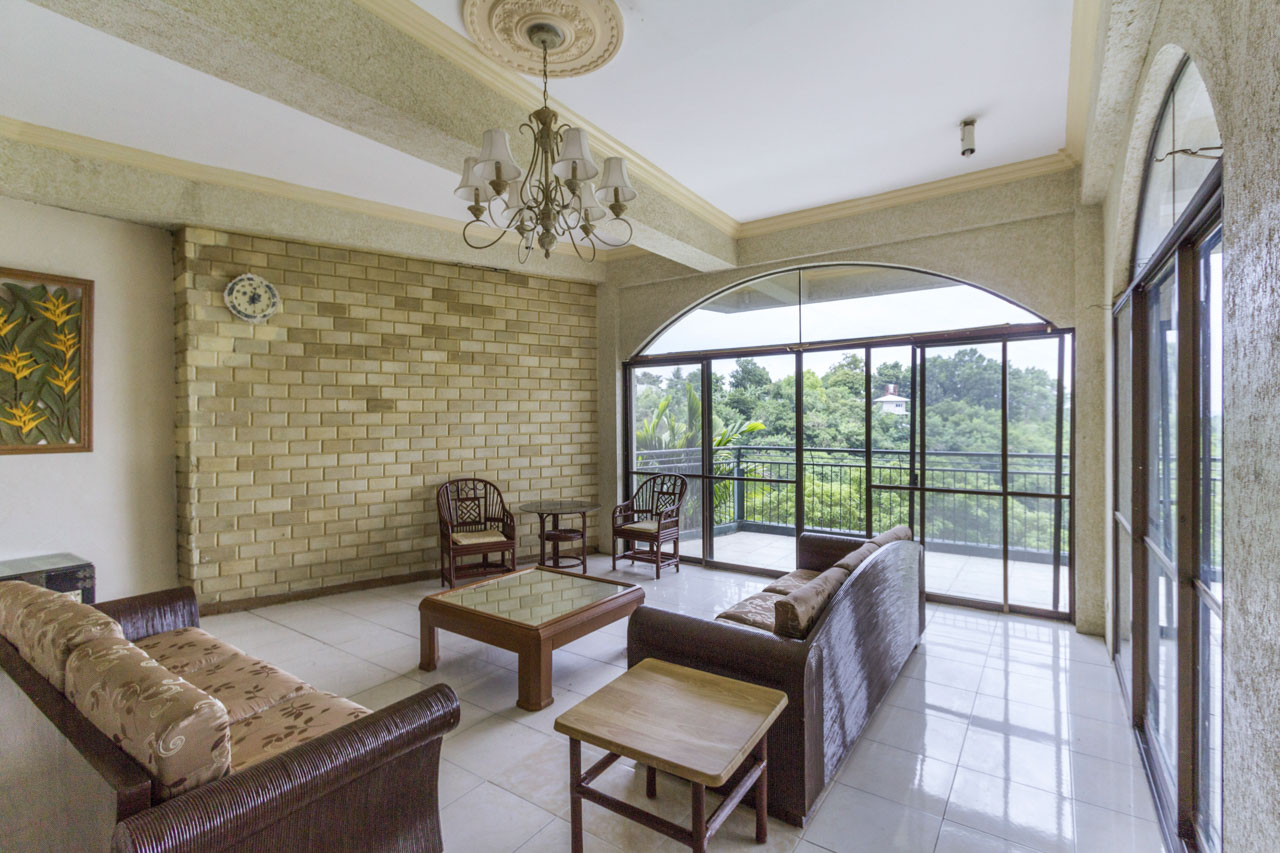 House for rent in maria luisa park cebu grand realty for 5 bedroom house with pool