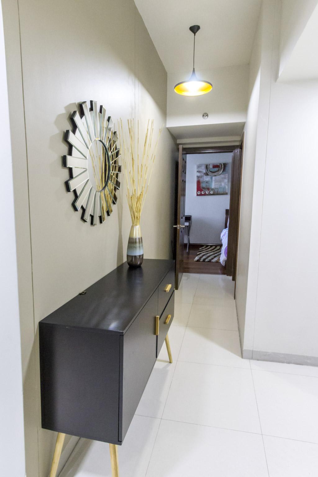 condo for rent in cebu business park cebu grand realt. Black Bedroom Furniture Sets. Home Design Ideas