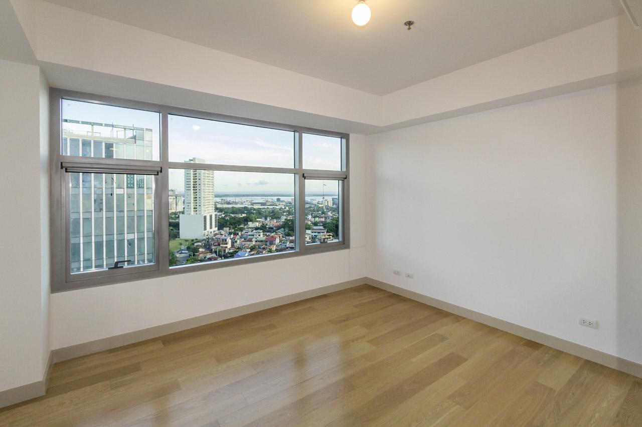 condominium 2 bedroom condo for sale in park point residences