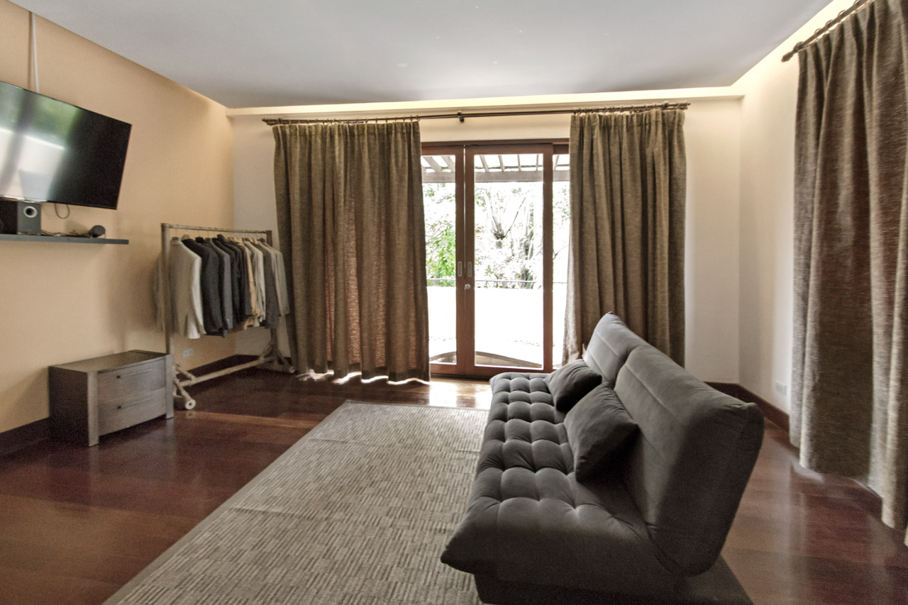 spacious 5 bedroom house for rent in north town homes