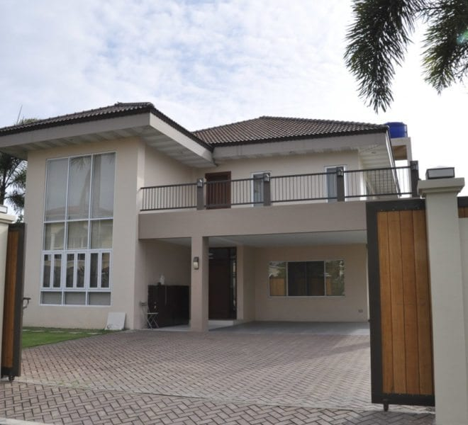 House for Sale in White Sands