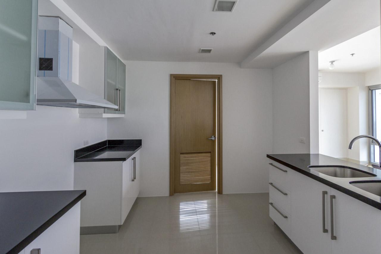 3 bedroom condo for rent overlooking cebu business park