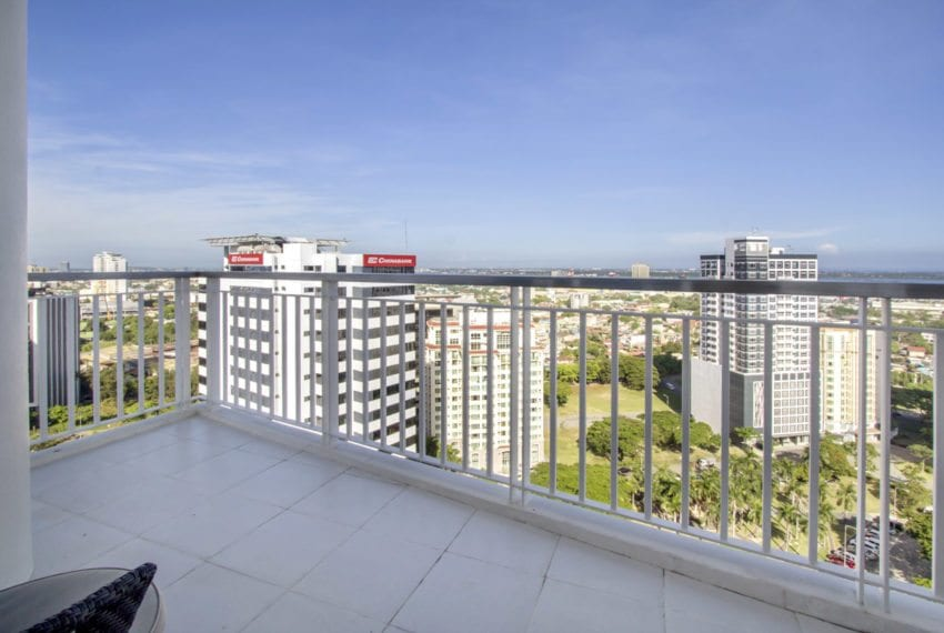 SRBTS6 Tri-Level Penthouse with Private Roof Deck for Sale in 10