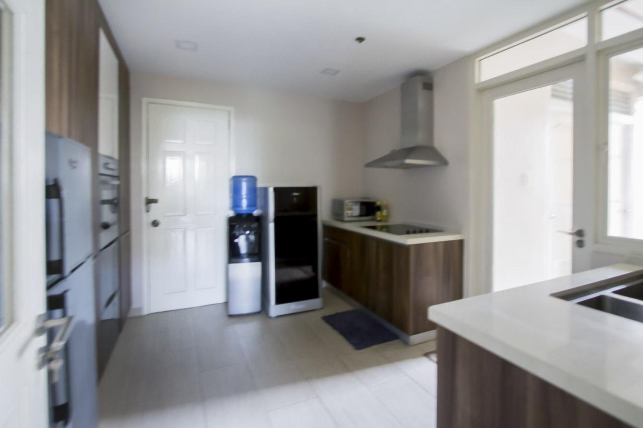 renovated modern 3 bedroom condo for rent in lahug cebu
