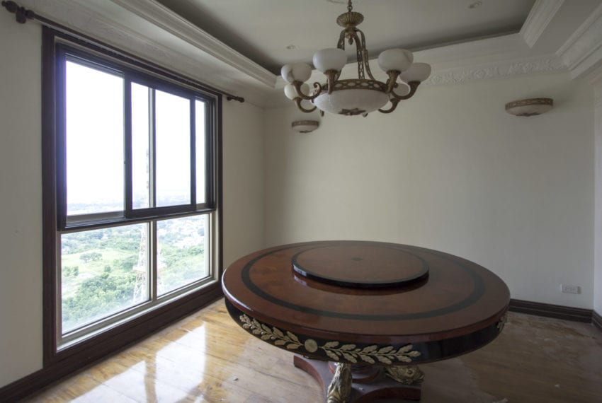 RCCL8 2 Bedroom Condo for Rent in Lahug Cebu Grand Realty