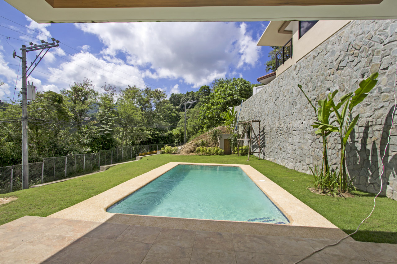 New 4 bedroom house with swimming pool for sale in maria for Houses with 4 bedrooms and a pool