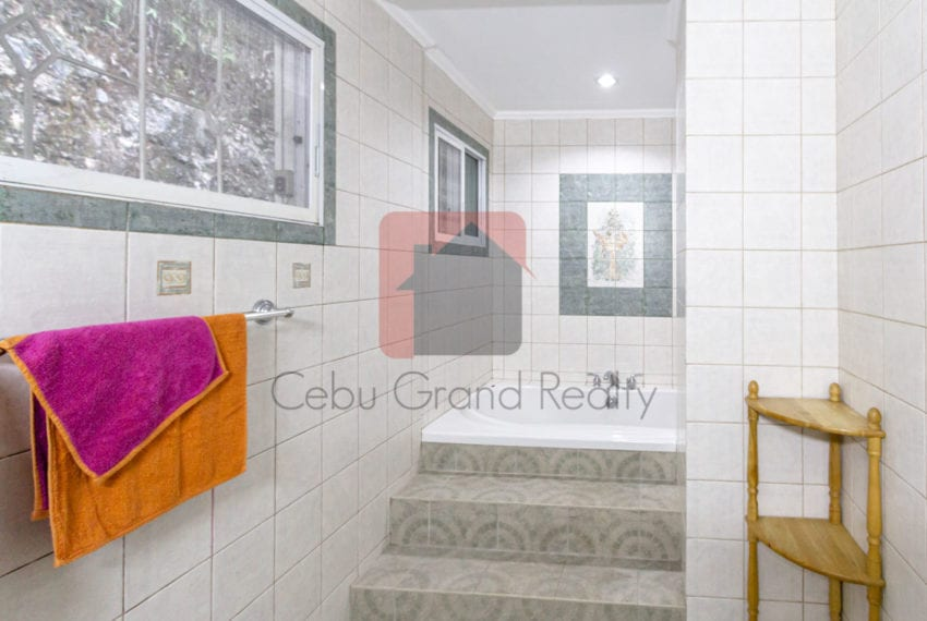 RHML37 4 Bedroom House for Rent in Maria Luisa Park Cebu Grand R
