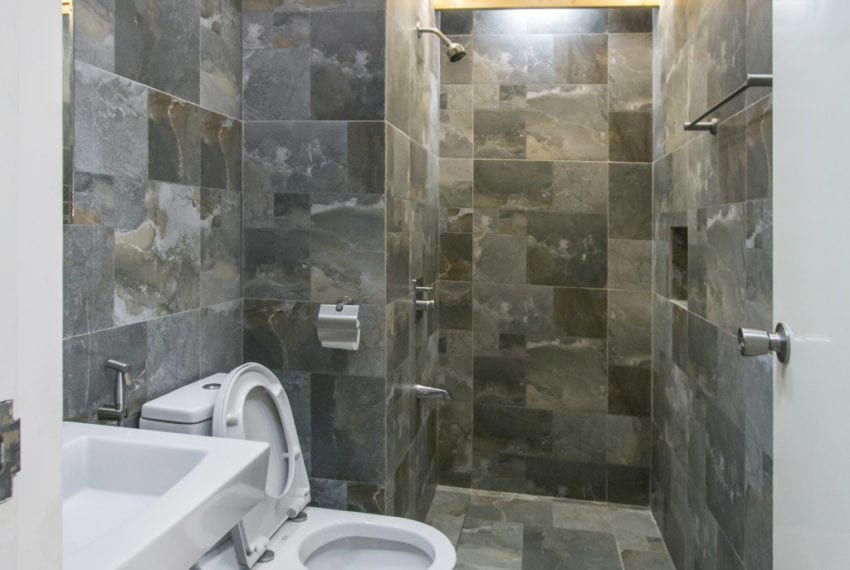 RC373 Spacious 1 Bedroom Bachelor Pad for Rent in Cebu IT Park C