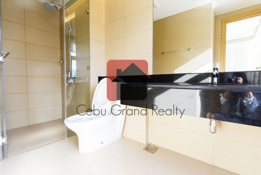 RCTS12 3 Bedroom Condo for Rent in 1016 Residences Cebu Business