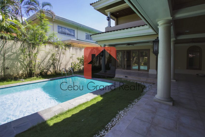 SRBNT6 Large 4 Bedroom House for Sale in North Town Homes Cebu G