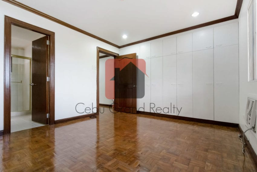 RHNTR1 3 Bedroom House for Rent in North Town Residences Cebu Grand Realty-12