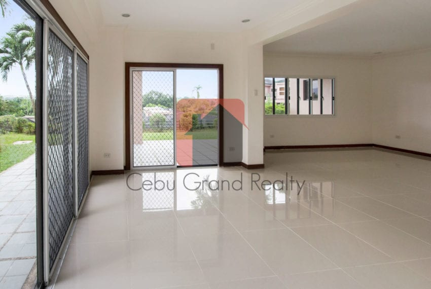 RHNTR2 Renovated 4 Bedroom House for Rent in North Town Residences Cebu Grand Realty-2