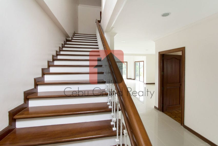 RHNTR2 Renovated 4 Bedroom House for Rent in North Town Residences Cebu Grand Realty-5