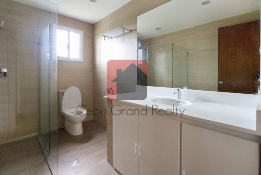 RHNTR2 Renovated 4 Bedroom House for Rent in North Town Residences Cebu Grand Realty-8