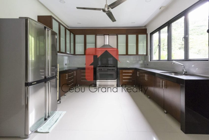 SRBML23 5 Modern 5 Bedroom House for Sale in Maria Luisa Park Ce