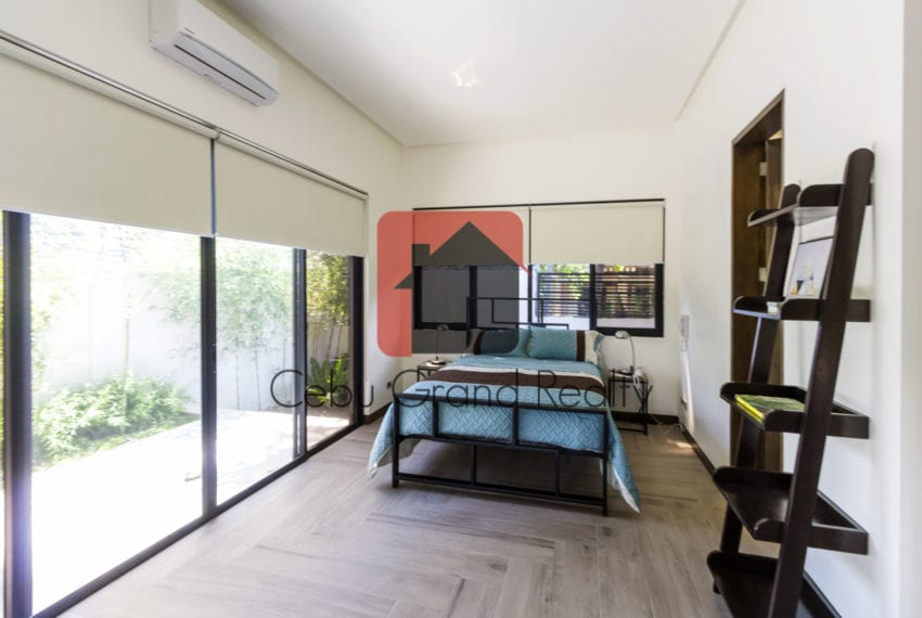 RHNT15 5 Bedroom House for Rent in North Town Homes Cebu Grand R