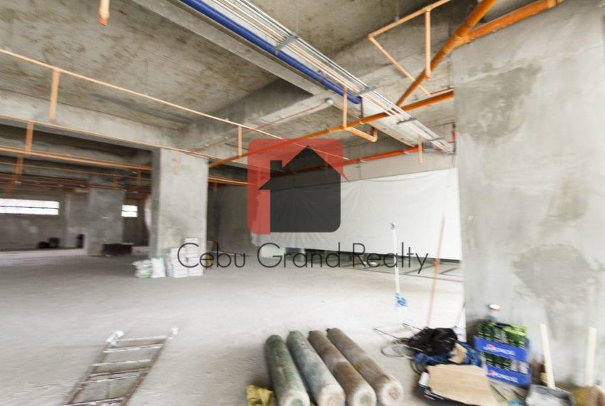 285 SqM Ground Floor Retail Space for Rent in Cebu Business Park