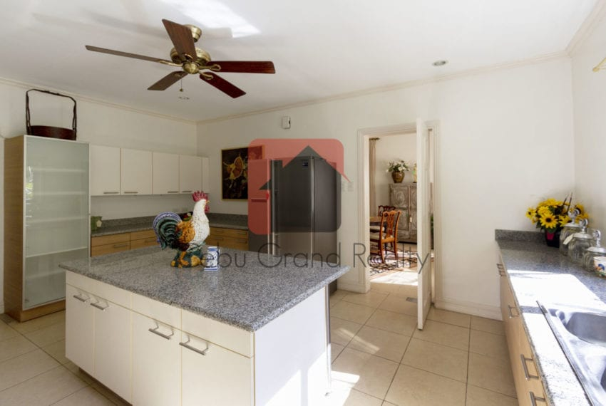 Spacious 3 Bedroom House for Rent in Maria Luisa Park