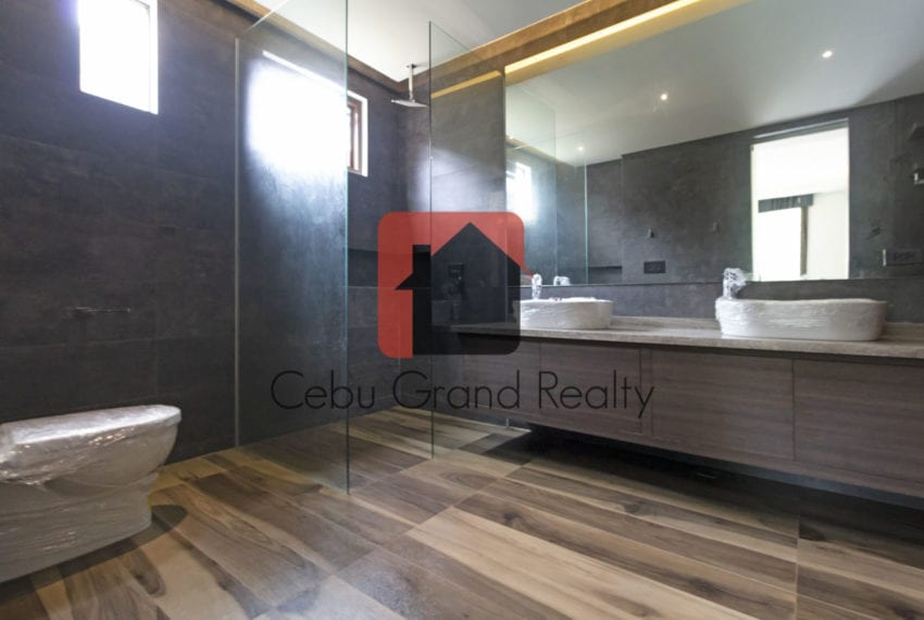 SRBML22 4 Bedroom House for Sale in Maria Luisa Park Cebu Grand