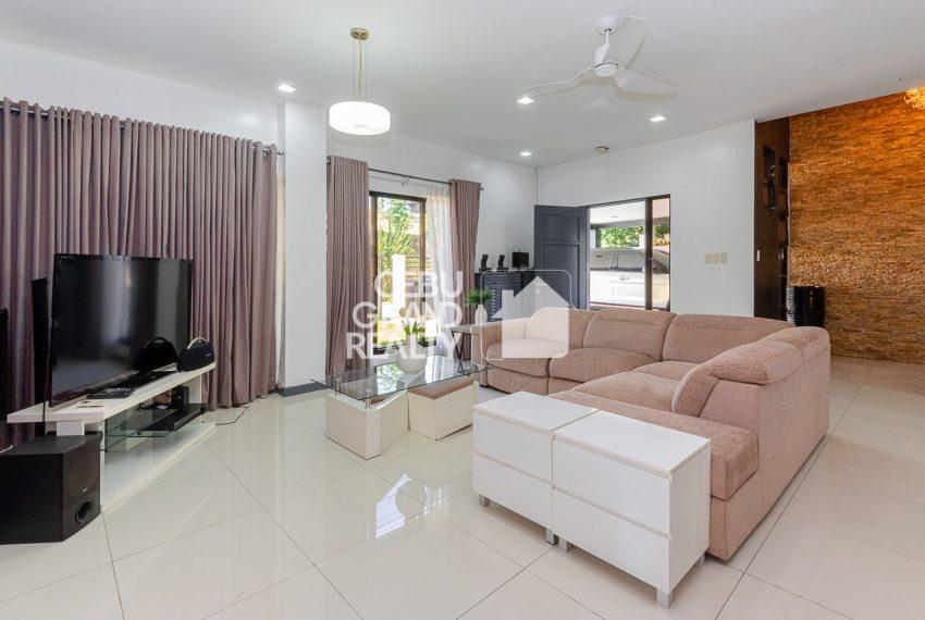 SRBSTM2 Furnished 3 Bedroom House for Sale in St. Michael Village - Cebu Grand Realty (1)
