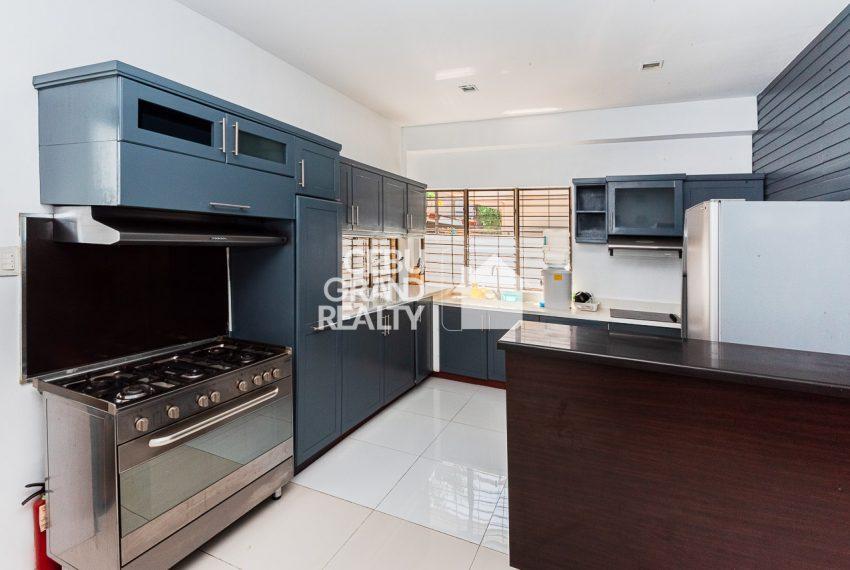 SRBSTM2 Furnished 3 Bedroom House for Sale in St. Michael Village - Cebu Grand Realty (6)