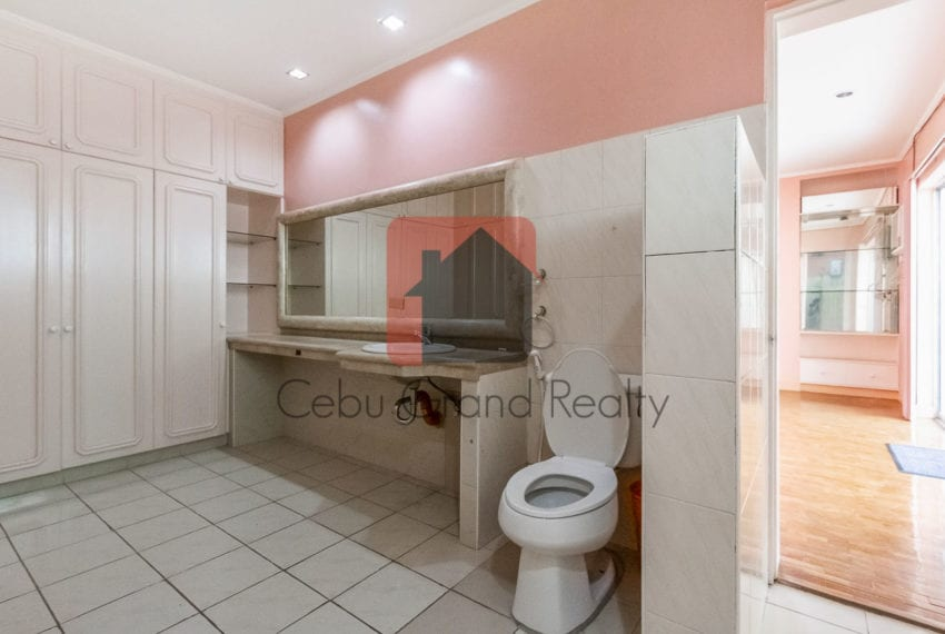 RHSN2 Spacious 4 Bedroom House for Rent in Banilad Cebu Grand Re