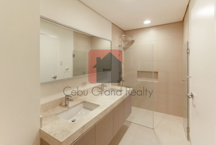 SRBTTS5 Brand New 3 Bedroom Condo for Rent in 32 Sanson by Rockw