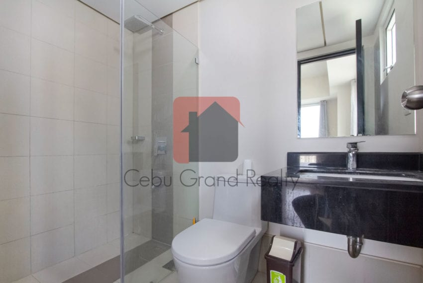 SRBS4 2 Bedroom Condo in Solinea Cebu Grand Realty