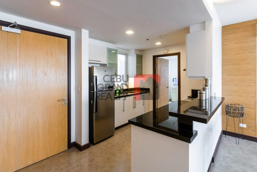 RCTS5 2 Bedroom Condo for Rent in 1016 Residences Cebu Business -Park Cebu Grand Realty (5)