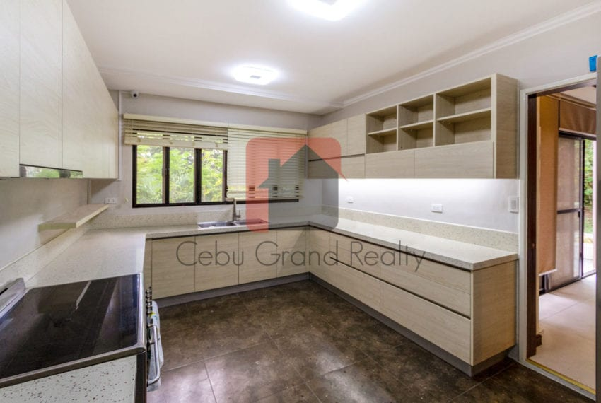 RHNTR4 Semi-Furnished 3 Bedroom House for Rent in North Town Res