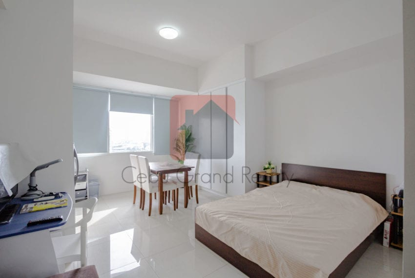 Rent in Calyx Residences