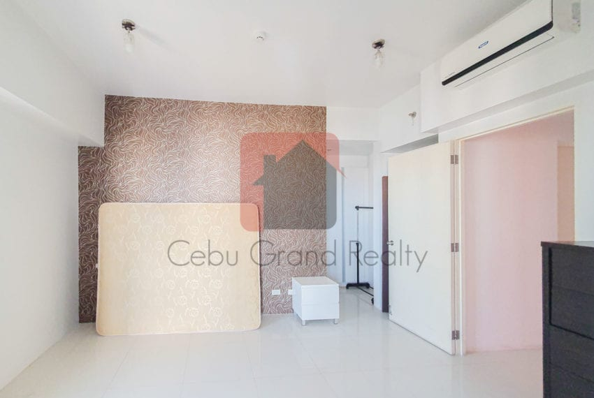 RCITC5 Semi-Furnished 3 Bedroom Condo for Rent in Cebu IT Park C