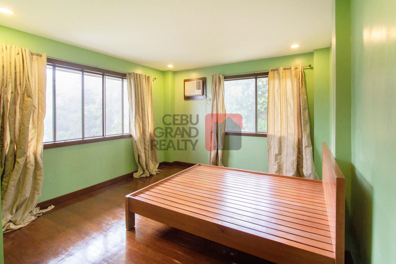 overlooking 4 bedroom house for rent in maria luisa park
