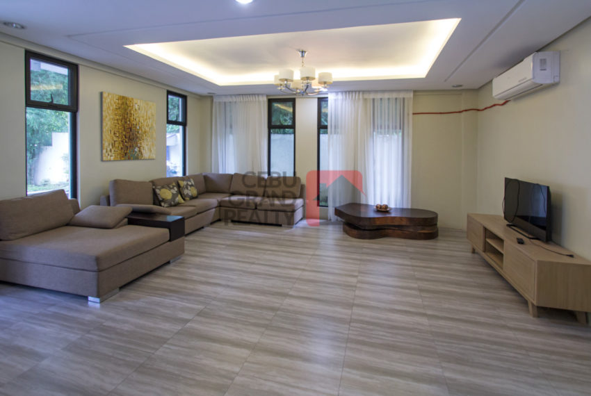 RHML12 4 Bedroom House with Swimming Pool for Rent in Maria Luis
