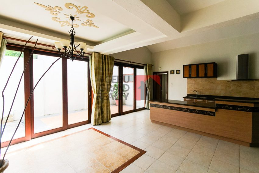 RHSUH2 3 Bedroom House  with Swimming Pool for Rent in Talamban