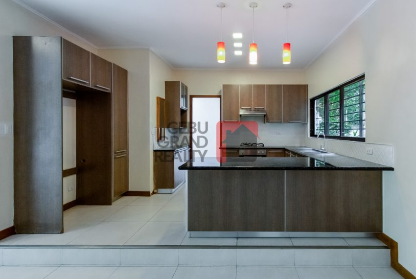 SRBML73 Renovated 3 Bedroom House for Sale in Maria Luisa Park -
