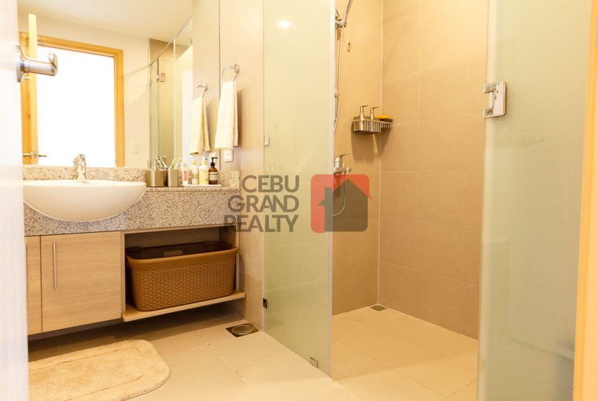 RCTS18 3 Bedroom Condo for Rent in 1016 Residences Cebu Business