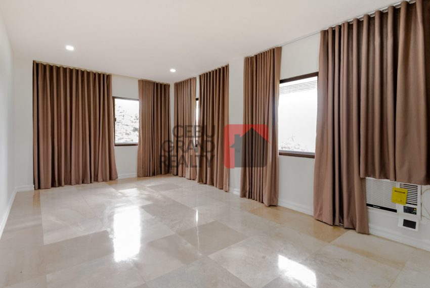 RHNT28 Renovated 8 Bedroom House for Rent in North Town Homes - Cebu Grand Realty (11)