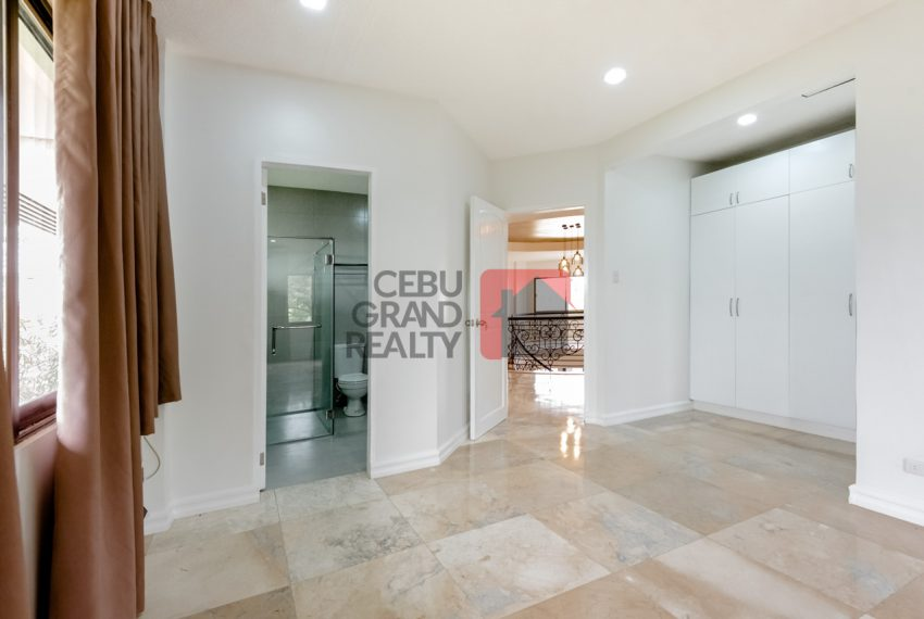 RHNT28 Renovated 8 Bedroom House for Rent in North Town Homes - Cebu Grand Realty (12)
