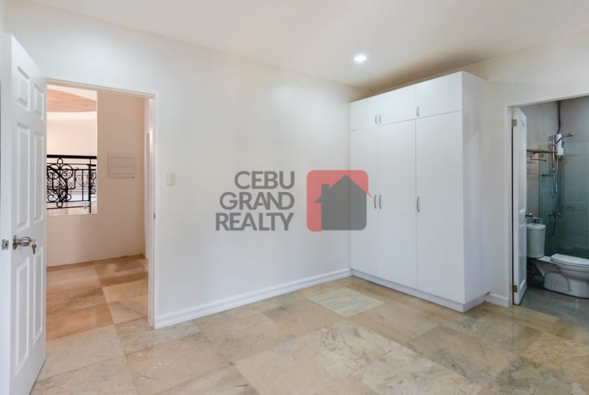 RHNT28 Renovated 8 Bedroom House for Rent in North Town Homes - Cebu Grand Realty (16)