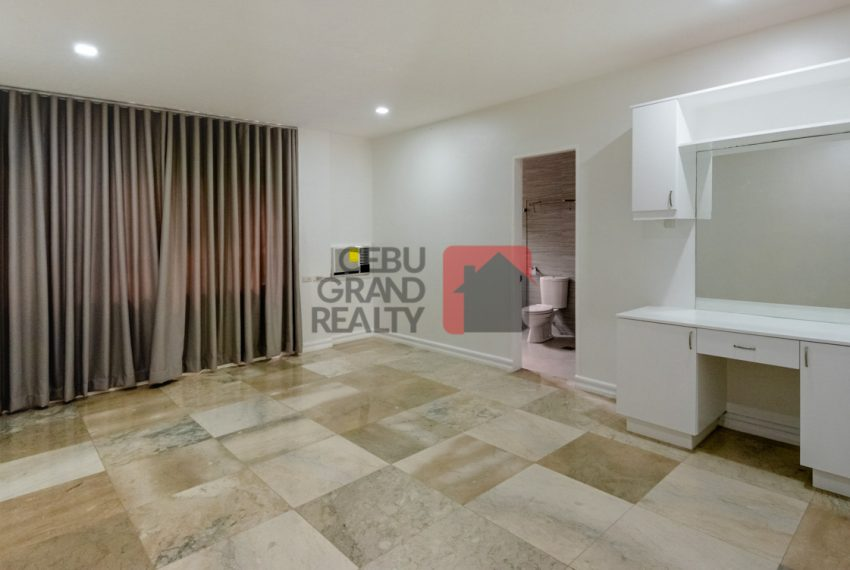 RHNT28 Renovated 8 Bedroom House for Rent in North Town Homes - Cebu Grand Realty (17)