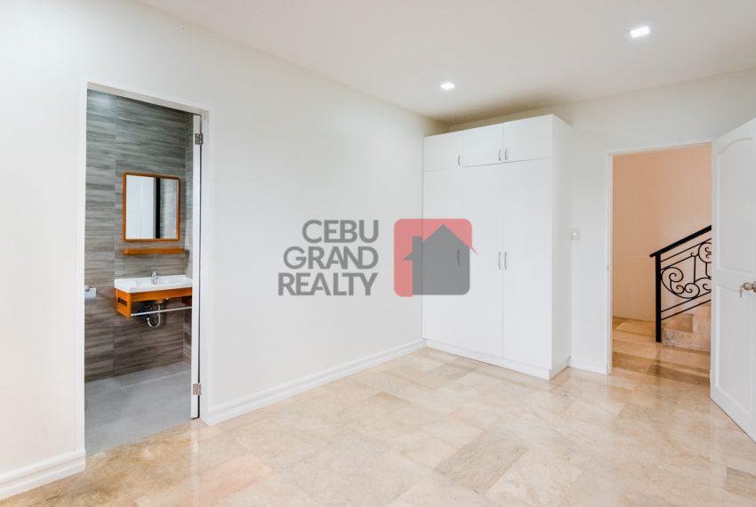 RHNT28 Renovated 8 Bedroom House for Rent in North Town Homes - Cebu Grand Realty (21)